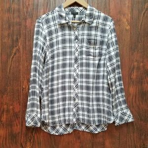 Talbots  Pleaded Long Sleeves  Button down  Size M